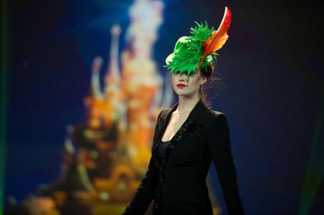 philip-treacy-peter-pan-hat